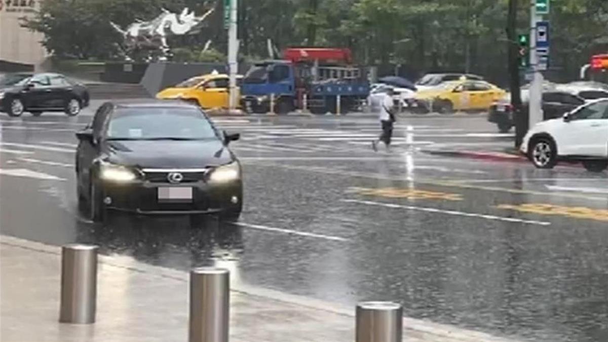 明飆30度!周末狂降10度全台有雨 颱風這天最接近台灣