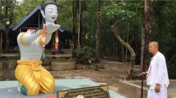 堅信「將頭獻給佛祖」即成佛 泰國高僧弟子見證下斷頭殉道