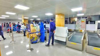 印度第二波疫情失控 300乘客下飛機拒篩檢落跑
