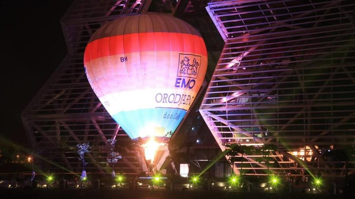 2022台灣燈會在高雄 愛河灣試燈搶先公開