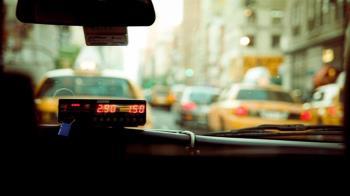 計程車司機載到爛醉女 秒通知2同業來拍照性侵