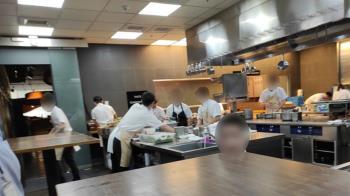 米其林2星餐廳爆廚師「沒戴口罩」 衛生局證實了