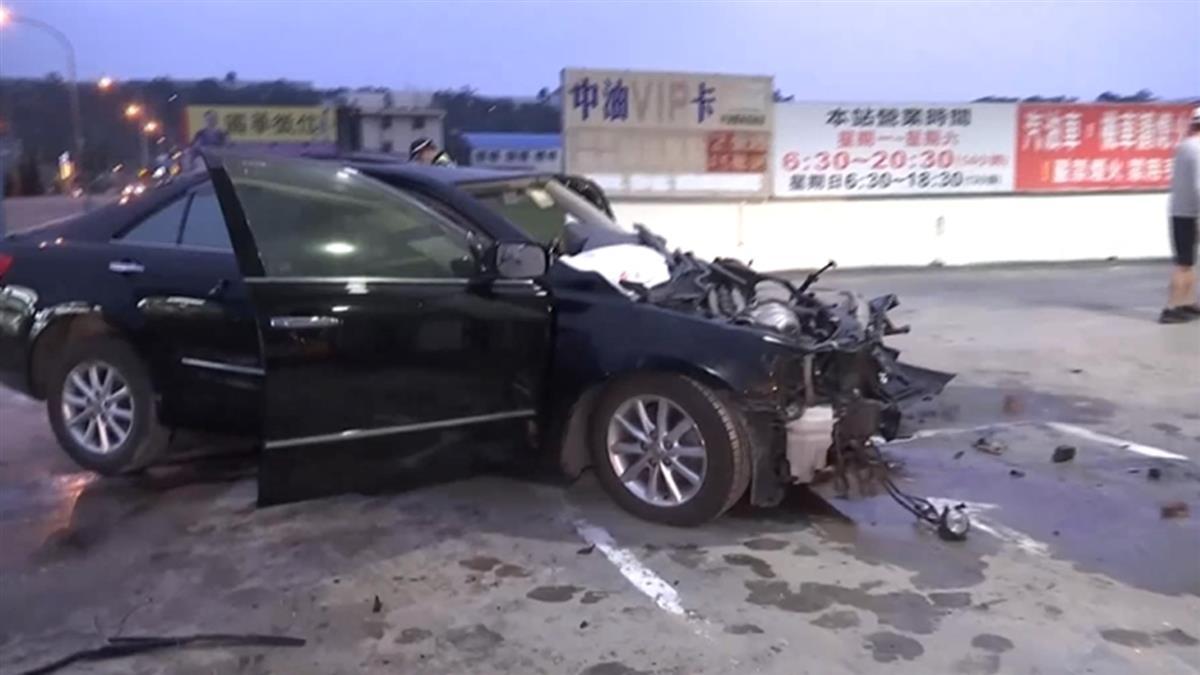 獨/男開車撞加油站亡 女子求別報警...一查是通緝犯