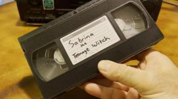 人妻改名才知被通緝 只因一捲「22年前租錄影帶」