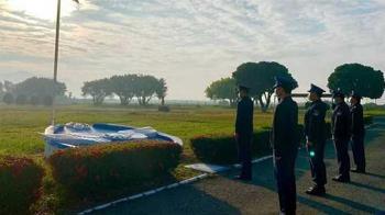 23歲空軍士兵昏迷成植物人 家屬放棄治療淚捐眼角膜