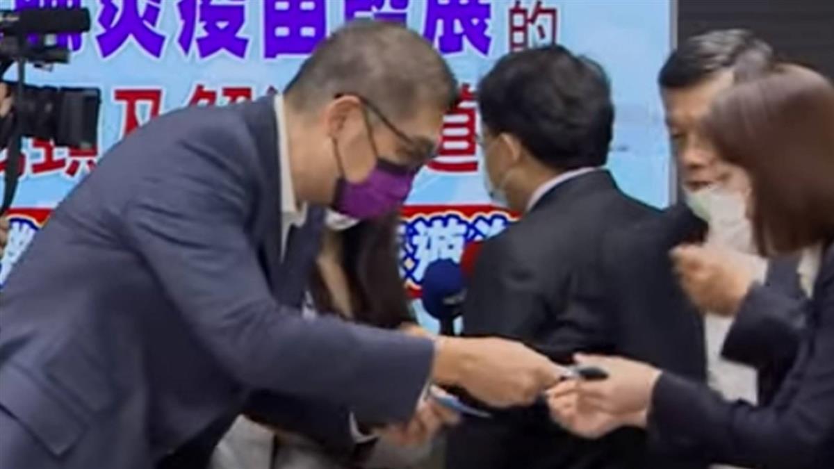 趙少康不選主席 連勝文勤跑基層笑稱「勤能補拙」