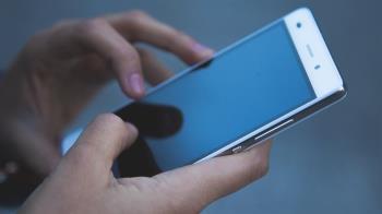 別再用手機看18禁片恐中毒 內行人曝2解決方法