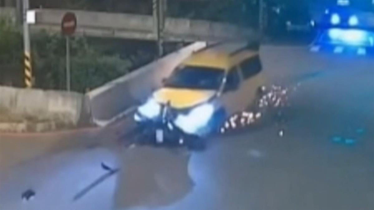 畫面曝!18歲男雙載闖紅燈遭撞飛 慘墜石門大圳1死1失蹤