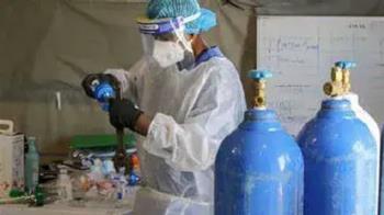 氧氣瓶變滅火器!印度2失業男詐騙 病患買錯氧氣慘死