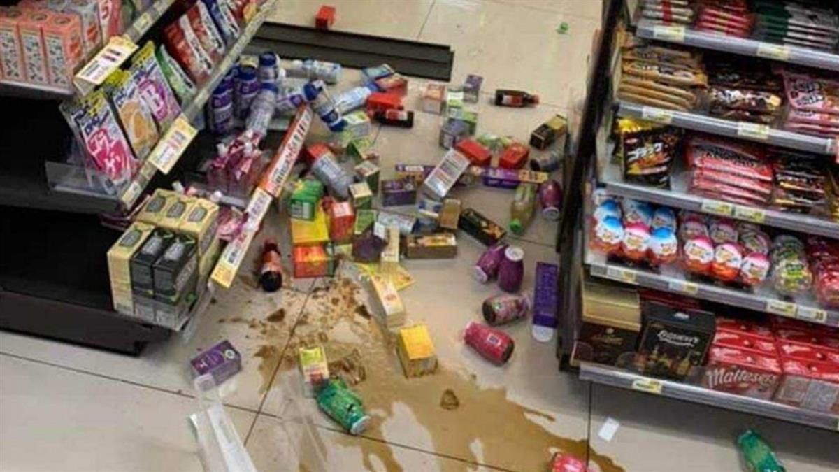 恐龍媽帶女購物!小7商品全被砸毀「直接落跑」 店家怒報警