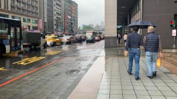 清晨大雨特報!周三鋒面快閃 3大降雨熱區曝光