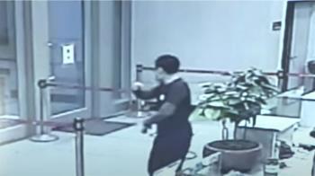 10煞衝進警所砸椅、毀電腦 遭刪除關鍵96秒影像曝光