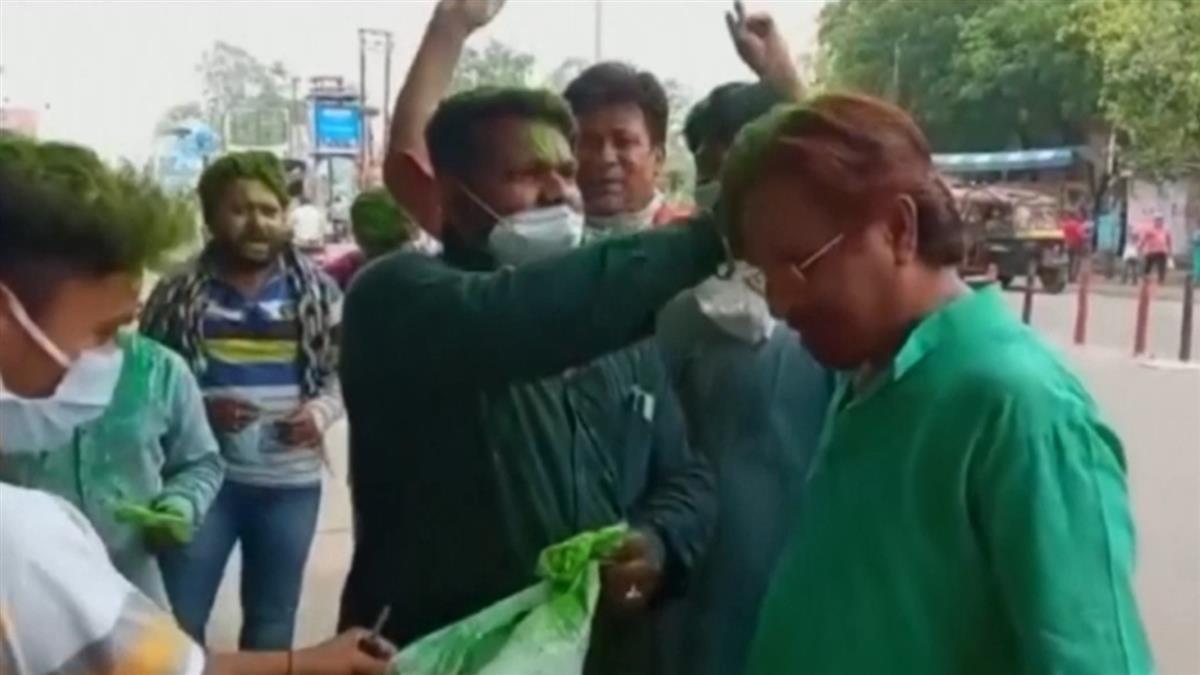 印度疫情失控!記者搭末班機逃走 當地人照常街頭狂歡