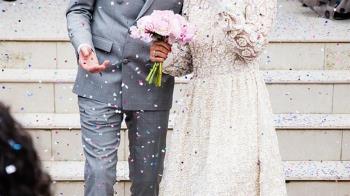 準婆婆婚禮想穿白紗 她求助未婚夫遭痛罵:管得著?