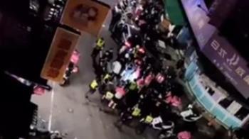 三重驚傳外送員暴動包圍雞排店 店家亮槍威脅嗆聲