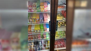 火鍋吃到飽!飲料甜點塞爆冰櫃 內行人急喊:是陷阱