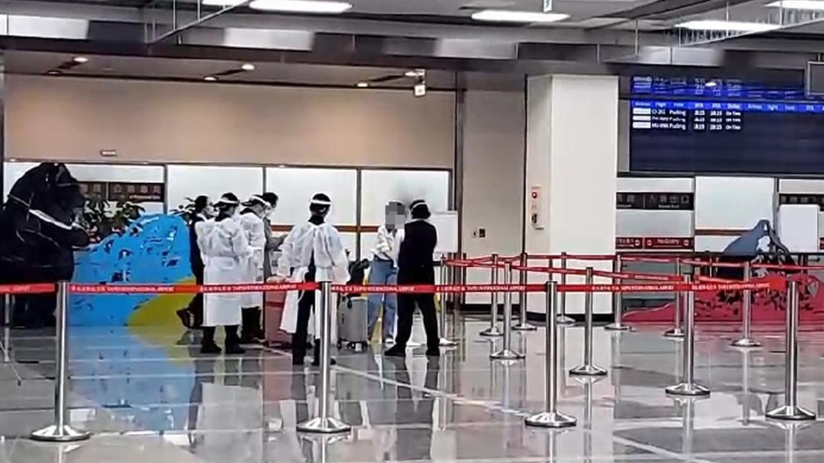 印度41名僑胞、3人持居留證抵台 4人有症狀採檢