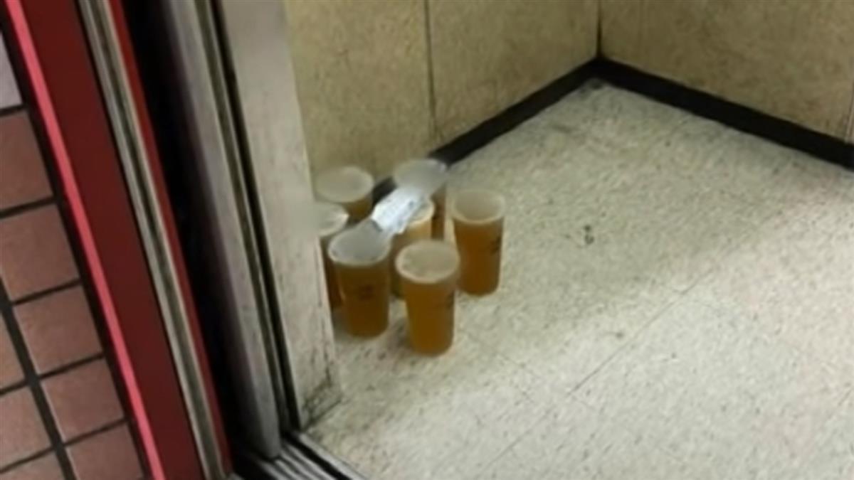獨/外送員飲料「放電梯」PO網反遭嗆 消費者:有買袋子