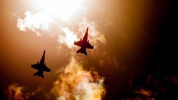 戰機從上飛過!法國空軍誇張霸凌 受害者被綁在實彈標靶上