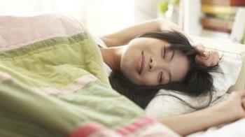 睡眠與飲食:晚上吃什麼才能睡個好覺?