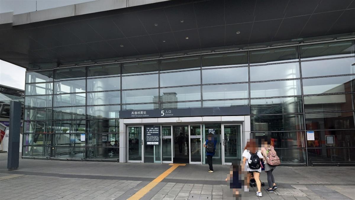快訊/高鐵桃園站驚傳訊號異常 上班族哀號:要遲到了