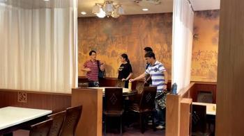 健保六人房?餐廳走醫院風 老闆砸10多萬防疫