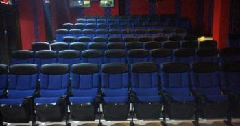 本土暴增16例!二輪電影院公告「梅花座還送VIP」網淚喊:不要哭