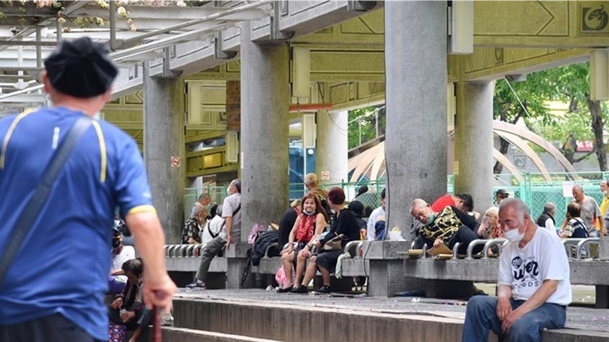 艋舺公園4街友涉及染疫足跡 已送院採檢