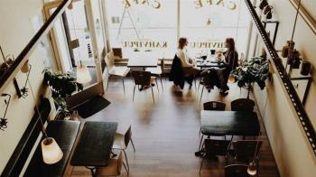 咖啡廳脫口罩聊天2hr「全店確診」 店員做2件事逃過一劫
