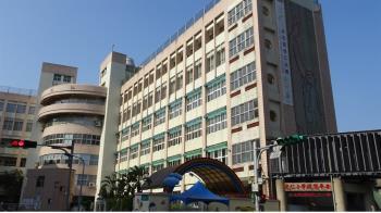 萬華光仁國小美術老師確診 深夜緊急宣布停課2周