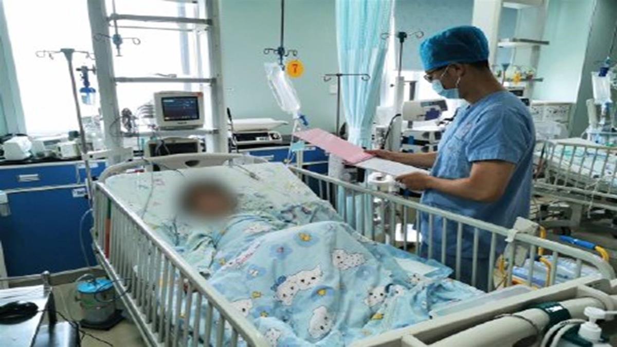 奶奶餵珍藏4年「營養水」 女童喝下臉色發紫急送醫