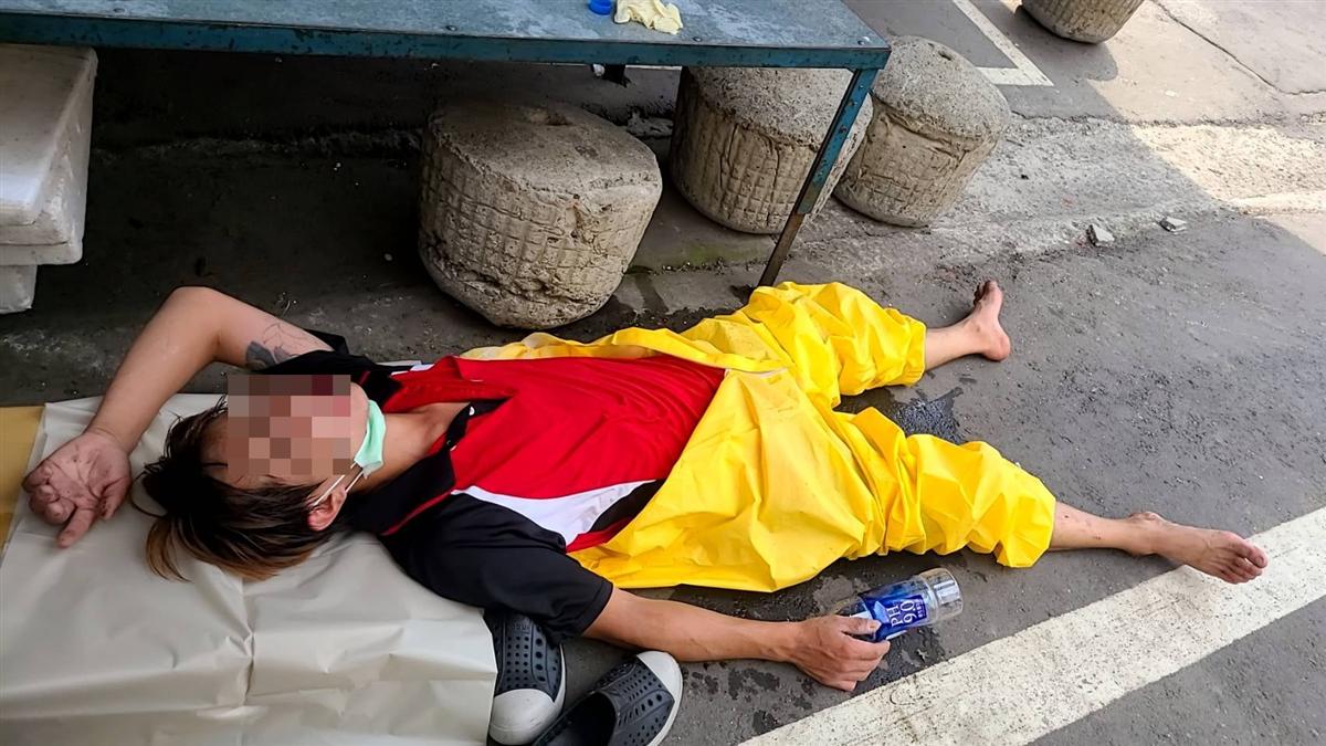 清潔人員穿防護衣消毒「全身包緊緊」熱到中暑倒路邊