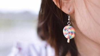 打耳洞流膿沒處理 19歲女大生險癱瘓急送醫