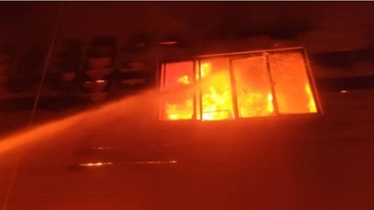 快訊/台南安南區工廠火警 警消出動15車灌救中