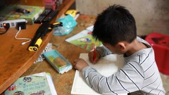 一人一平板助弱勢兒少停課不停學 「微樂志工」募集平板電腦 台灣大率先認捐