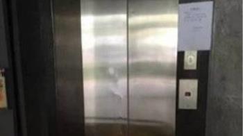 電梯卡住突從「1樓暴衝30樓」 女訪客救出時已身亡
