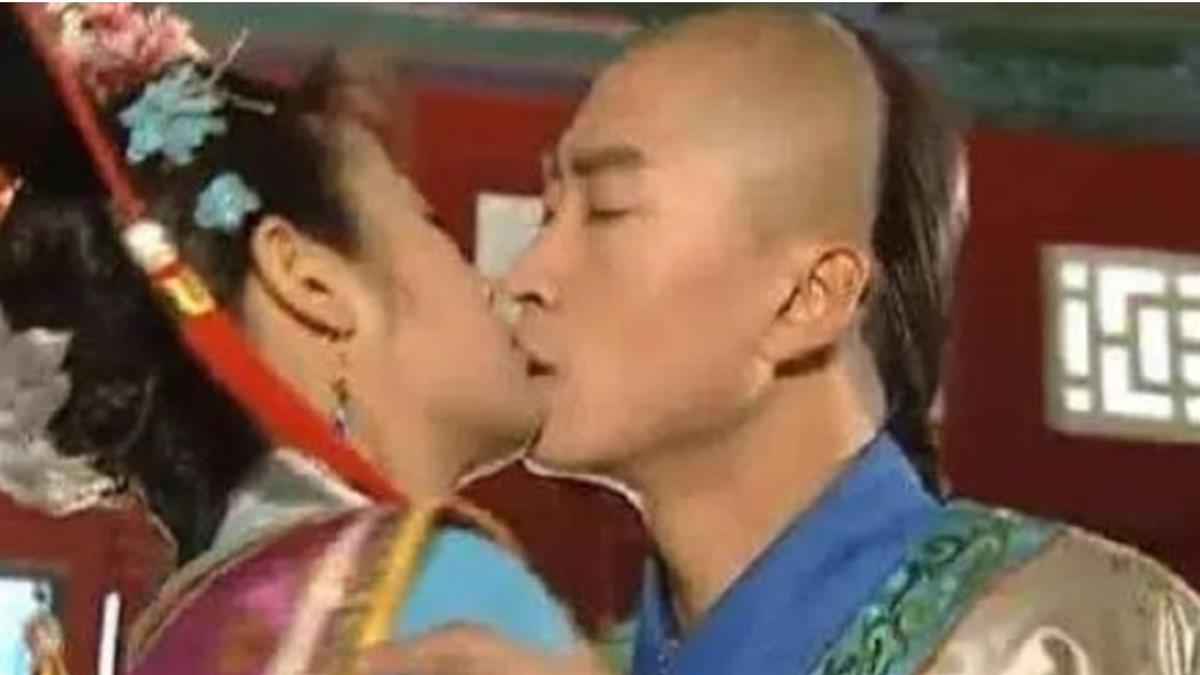 《還珠》爾康爆「舌吻林心如」 遭封殺17年後變億萬富翁