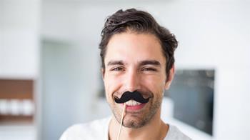 別再留鬍子!衛生專家示警:染疫風險比一般人高
