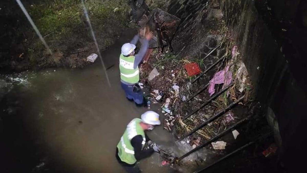 信義區淹水不是天災 議員PO照曝「西大排全都是垃圾」