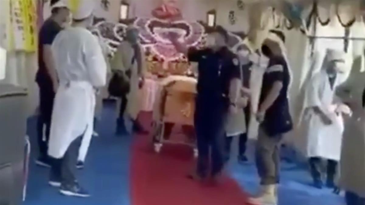 南投11人家祭爆遭罰66萬 警察「棺材旁開單」畫面曝