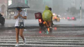 發發命中集水區!16縣市豪大雨特報 鄭明典驚呼:很強烈