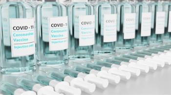 不只血栓?AZ疫苗再爆「血小板減少」罕見副作用 狂冒紫紅色瘀斑