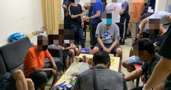 17賭徒手癢群聚「推筒子」不怕死帶8歲女童陪賭