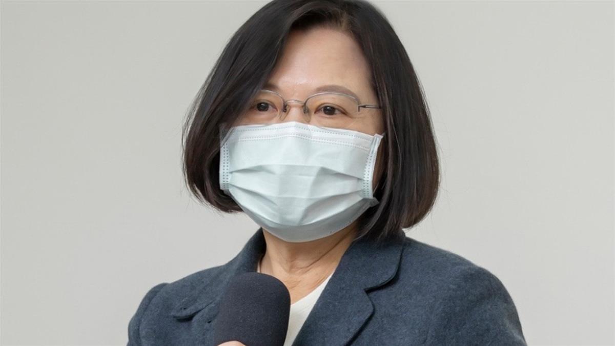 快訊/蔡英文爆接種輝瑞疫苗 指揮中心終於吐真相