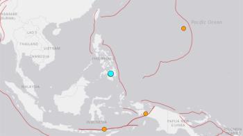 菲律賓晚間發生規模5.7地震 餘震搖不停