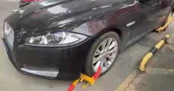 停社區停車場6小時 他一覺醒來「四輪全被鎖」罰款破萬