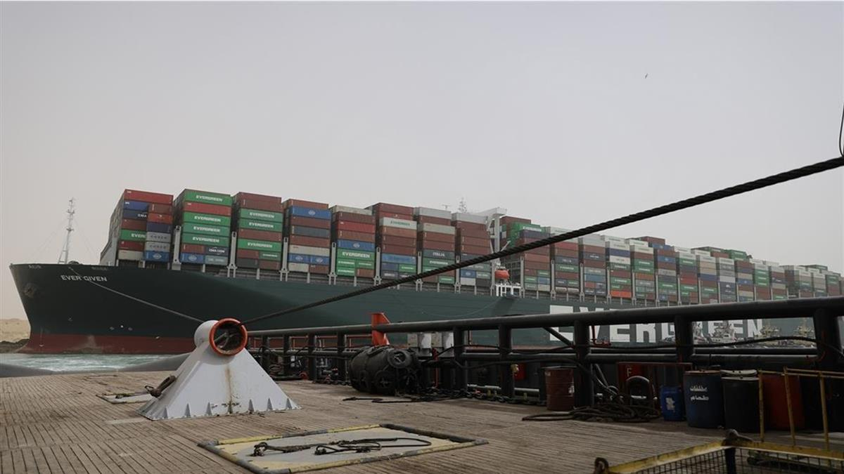 長賜號還在卡!280億貨物卡埃及 全球1860間廠商崩潰