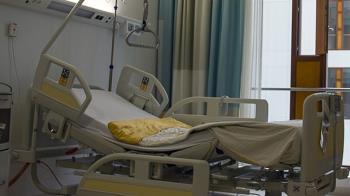 懷孕2寶媽車禍癱瘓!尪嫌她累贅逼離婚 岳母哭:怎麼辦