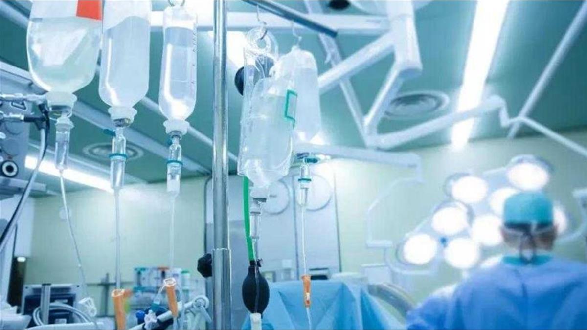 花174萬治罹癌女兒 護士害她手不能動還嗆:沒錢治什麼病