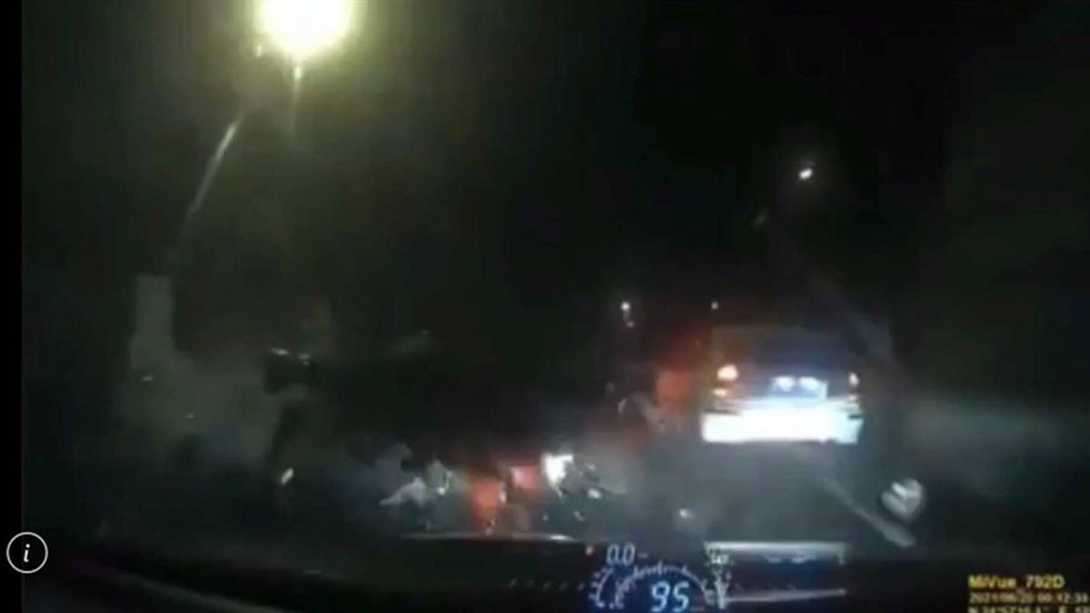 「紅色豐田86」台7乙線逆向狂飆 三峽拓海哥雷殘骨折